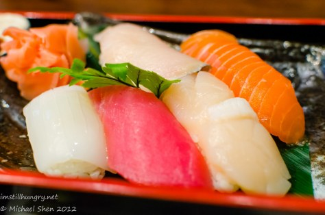 Suminoya - assorted sushi - sumi-ika, akami, scallops, salmon, and oh my forgot the last one