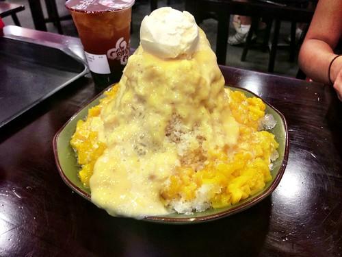 Supreme mango ice crush with condensed milk & icecream