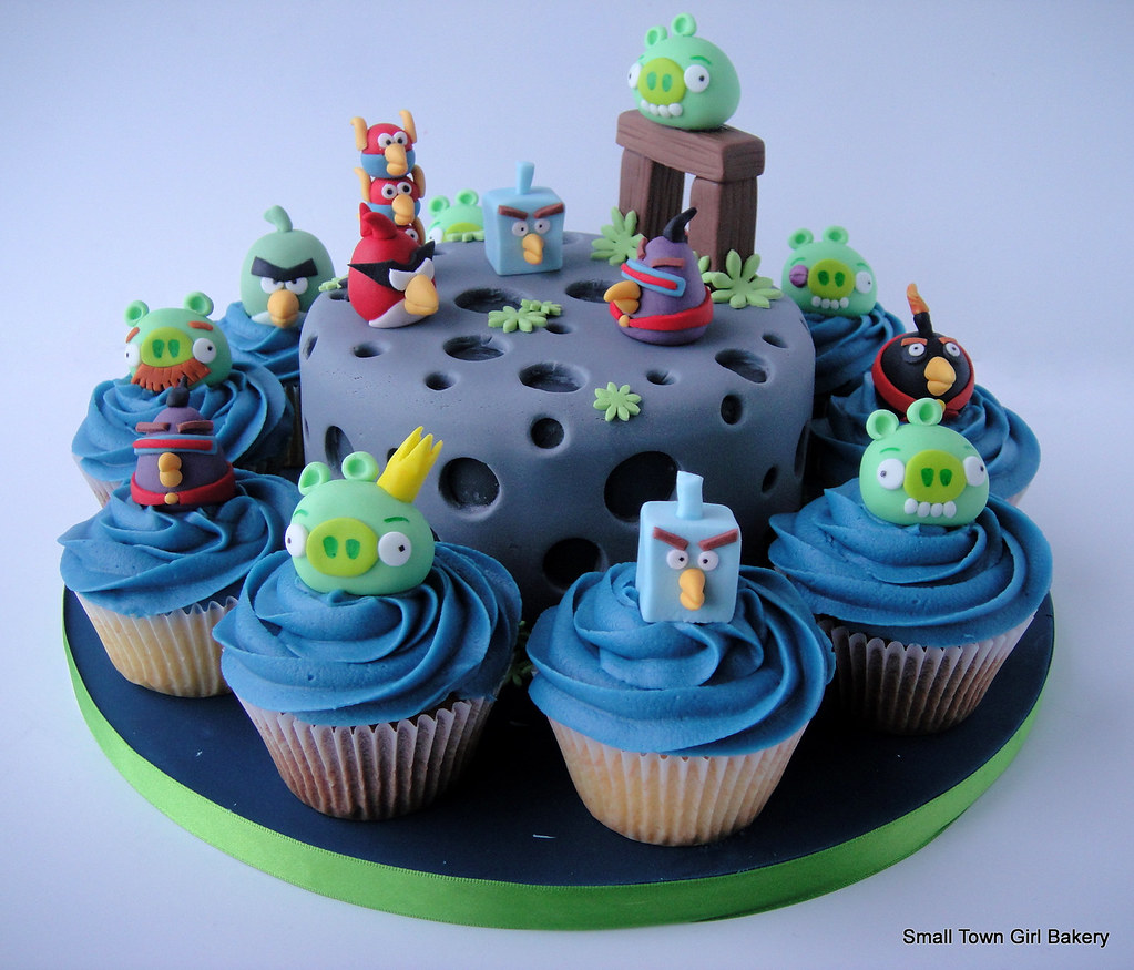 Magdalenas Decoradas Infantiles Angry Birds Space Cake And Cupcakes Angry Birds Space Cake Flickr