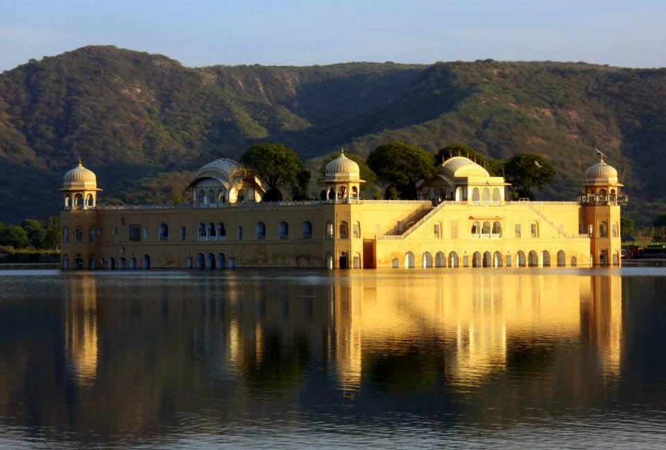 #JalmahalJaipur #Amerfort #Jaipur #Travelbloggerindia #Travelblog #Jaipurtravelblog #Rajasthantourism #Rajasthantravelblog