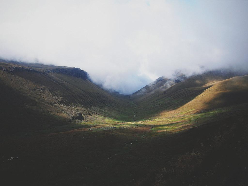 Empty valleys