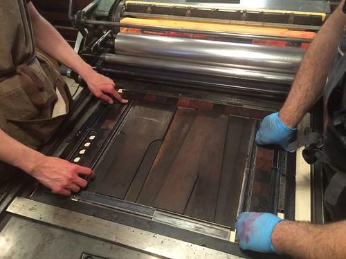 The largest type at Anonima Impressori is cut in half