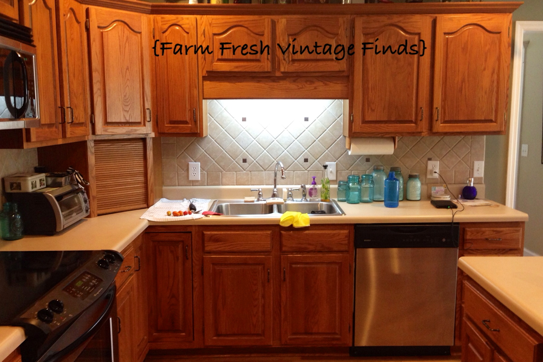 Annie Sloan Kitchen Cabinets How To Paint Your Kitchen Cabinets Using Annie Sloan The
