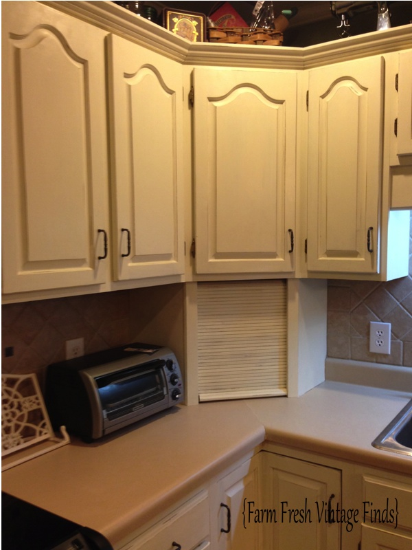 Annie Sloan Kitchen Cabinet Paint How To Paint Your Kitchen Cabinets Using Annie Sloan The