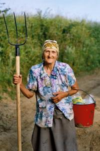 Old_farmer_woman