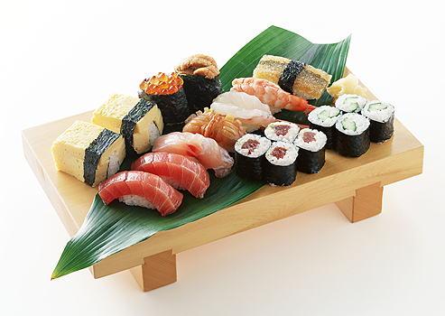 Mix 3 sushi de atum  3 sushi de salmão 3 sushi skin  2 sushi peixe