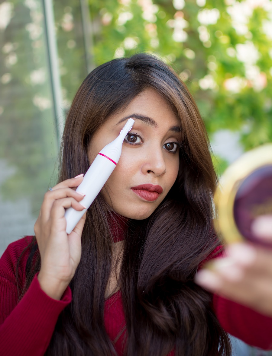 veet-sensitive-touch-electric-trimmer-eyebrows-upperlips-how-to-use