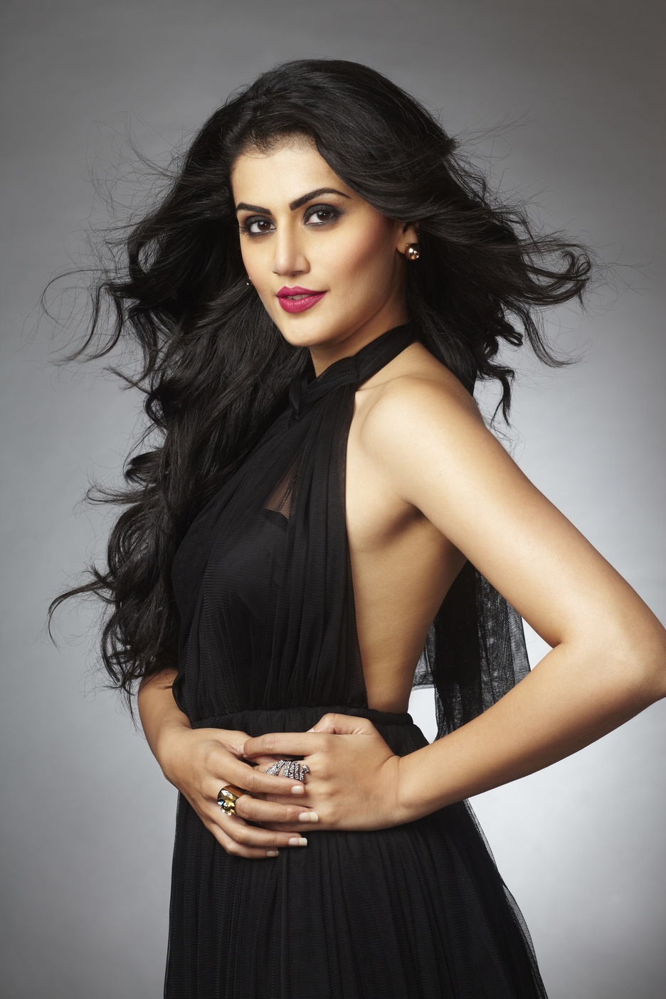 All Bollywood Girl Wallpaper Girl Power Taapsee Pannu Fashionably Foody