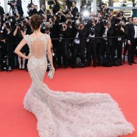 CANNES:  a view of what CELEBS are eating