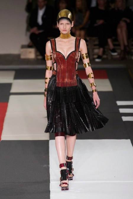 MCQUEEN Spring 2014 fashiondailymag sel 8