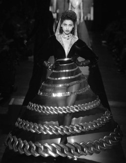 JEAN PAUL GAULTIER haute couture Fall 2014 FashionDailyMag sel 13bw