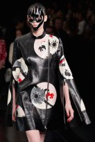 McQueen spring 2015 FashionDailyMag sel 54