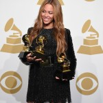 beyonce grammys fashiondailymag in fendi shoes