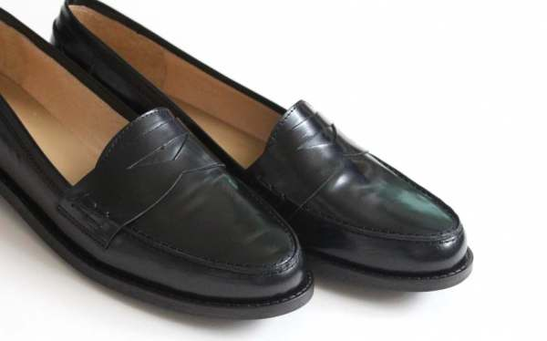 black flat loafers daniel footwear