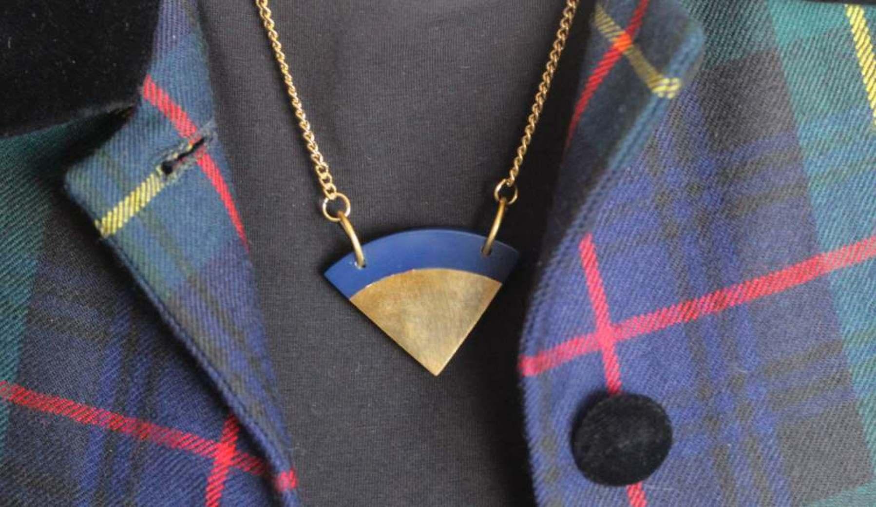 oliver bonas necklace shape