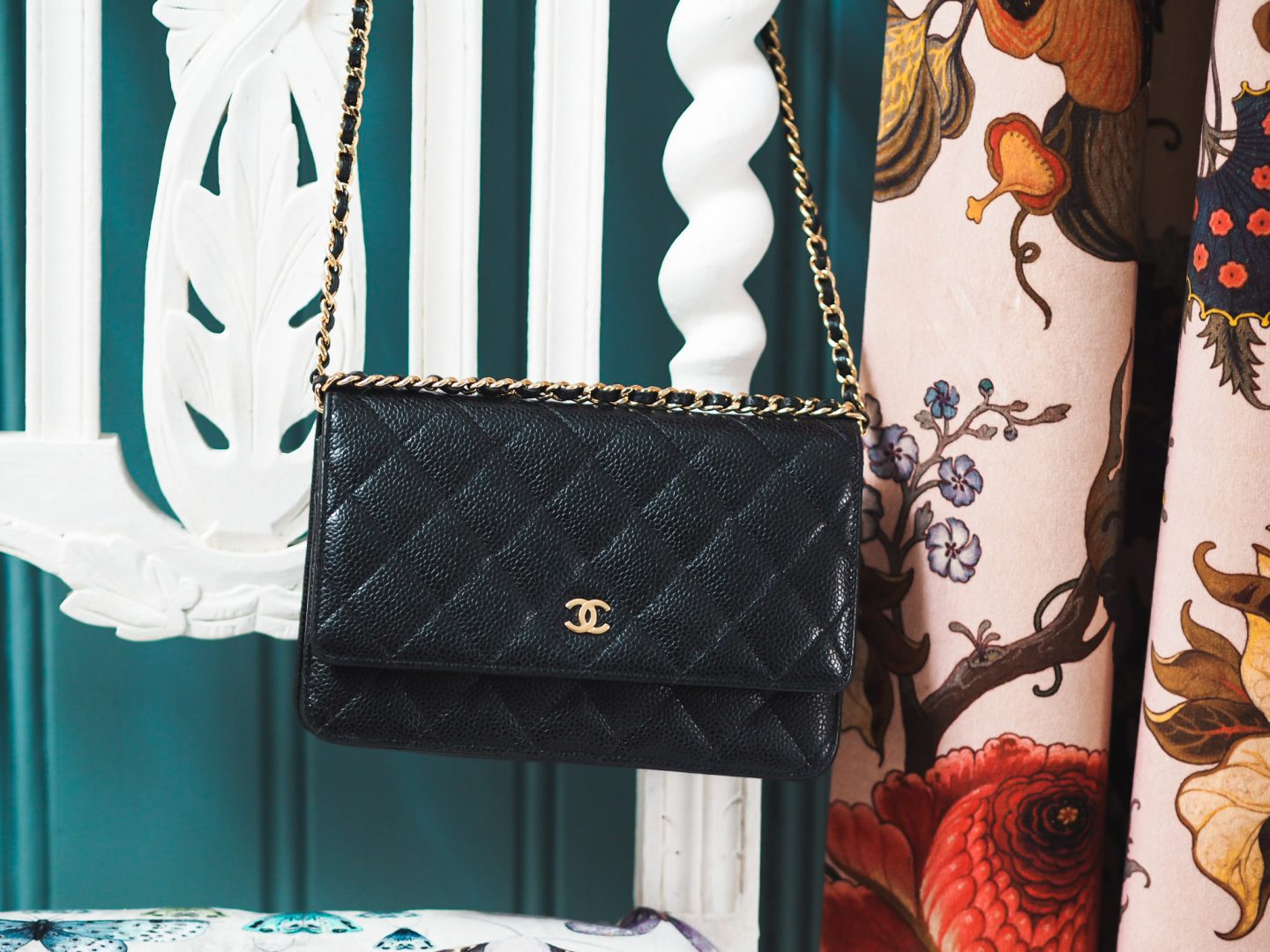 Mini Vs Woc Five Reasons Why You Should Buy The Chanel Woc Fashion