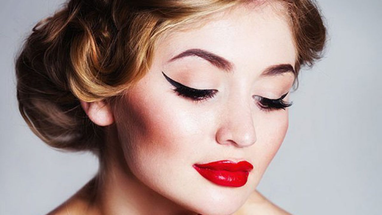 Vintage Look Retro Eye Makeup: Use Liquid Eyeliner To Master The Vintage Look
