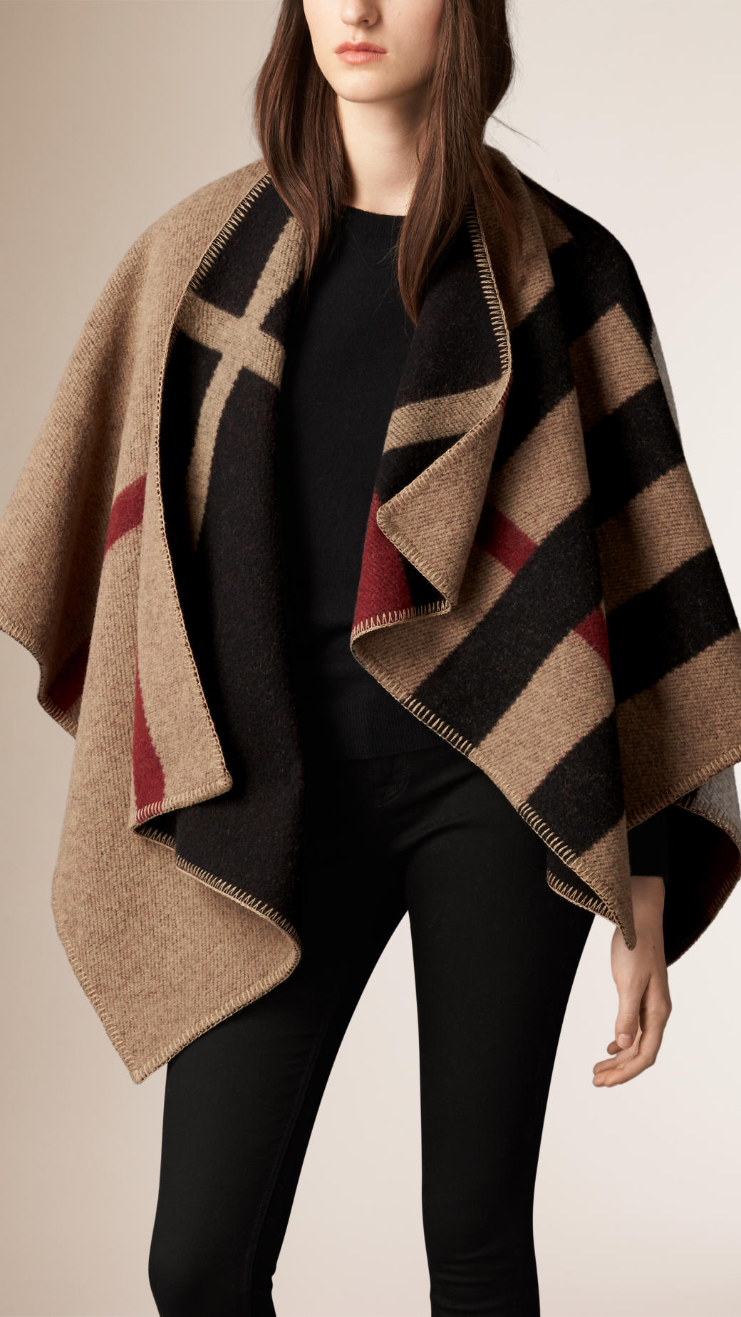 10 new burberry capes ponchos for autumn winter 2015. Black Bedroom Furniture Sets. Home Design Ideas