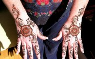 Eid ul fitr festival hand mehndi design for girls 2013 (7)
