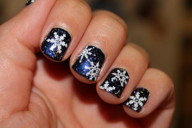 16 Snowflake Nail Designs To Try This Winter Fashionsycom
