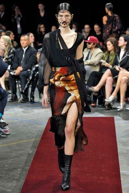 Givenchy Paris RTW Fall Winter 2015 March 2015