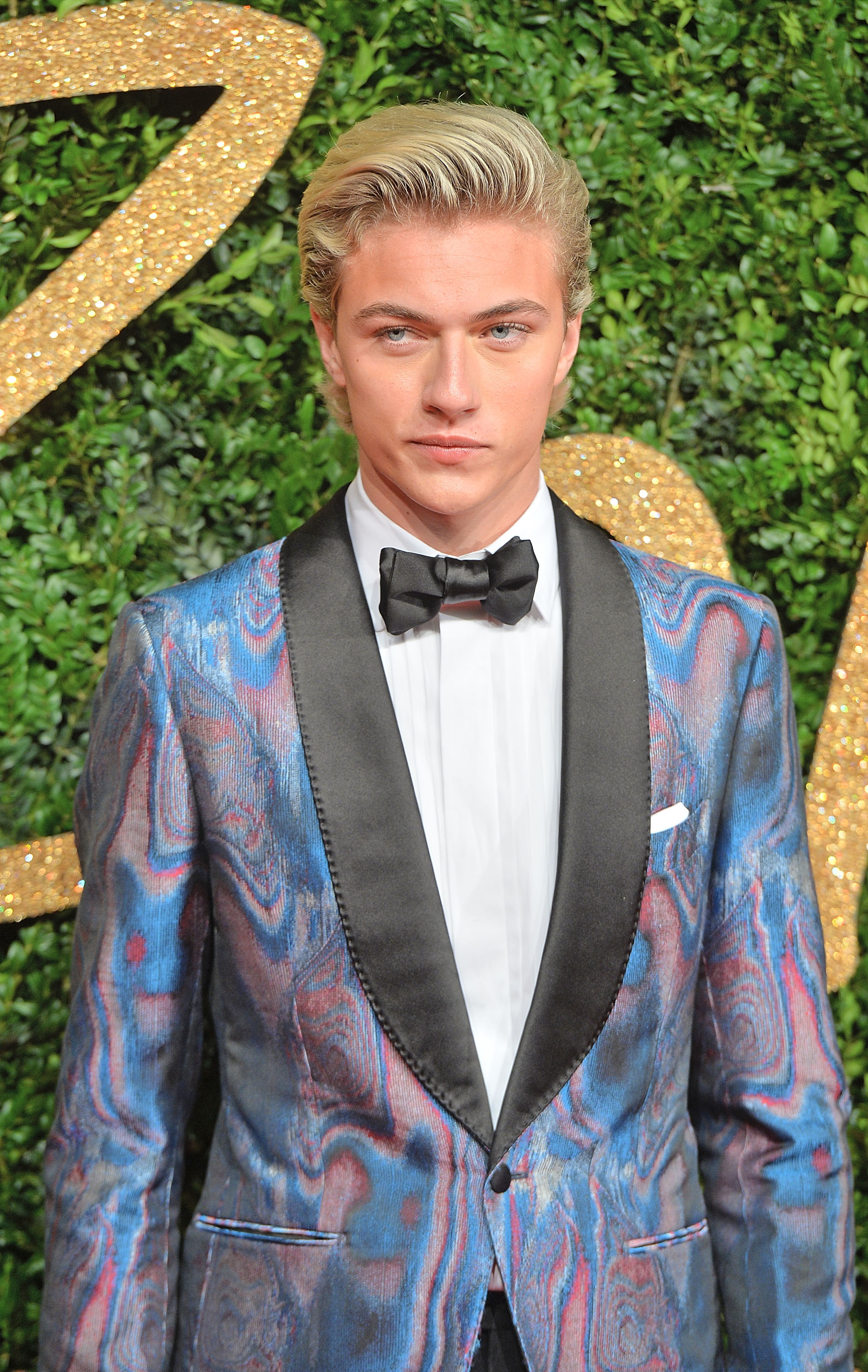 Tuxedo Wallpaper Hd It S Good To Be Lucky Blue Smith Daily Front Row