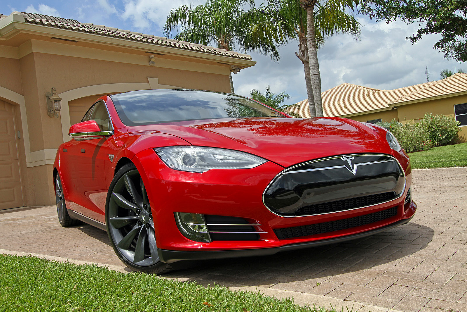 Electric Cars Information 2013 Tesla Model S Pictures Specifications And Information