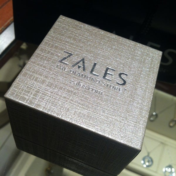 Photos at Zales Jewelers - Newport - 30 Mall Dr W