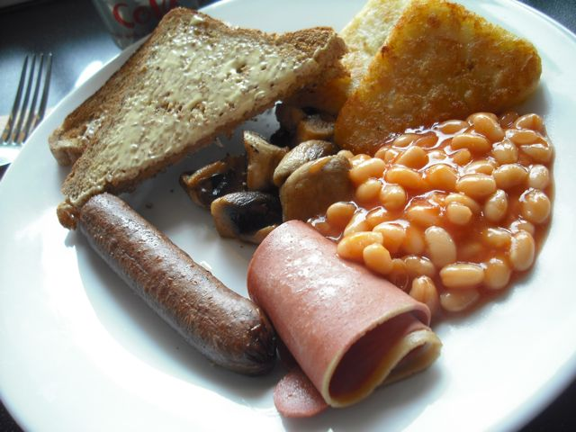 http://i0.wp.com/fatgayvegan.com/wp-content/uploads/2011/05/fry-up.jpg?fit=640%2C480