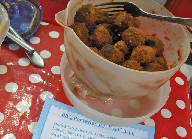 http://i0.wp.com/fatgayvegan.com/wp-content/uploads/2011/06/meatballs.jpg?fit=640%2C463