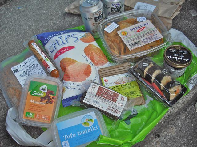 http://i0.wp.com/fatgayvegan.com/wp-content/uploads/2011/10/groceries.jpg?fit=640%2C480