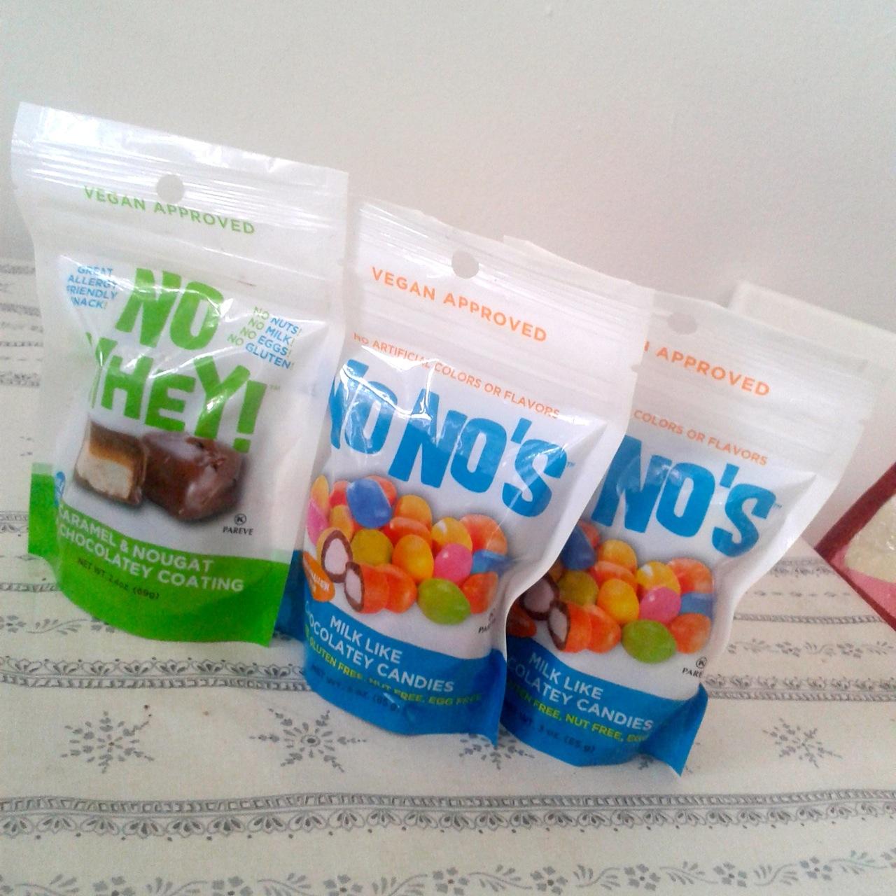 http://i0.wp.com/fatgayvegan.com/wp-content/uploads/2014/10/candy.jpg?fit=1280%2C1280