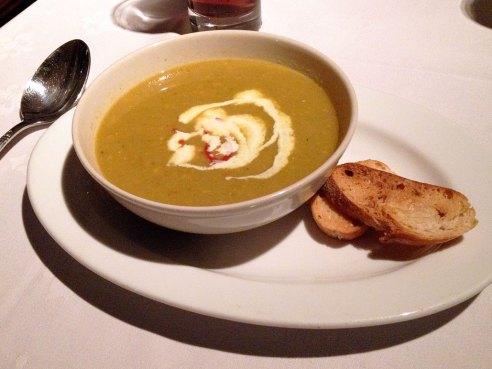 01 Starter soup at Gare du Nord vegan restaurant Rotterdam