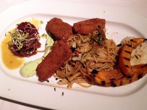 02 Main course at Gare du Nord vegan restaurant Rotterdam