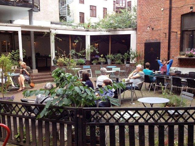 1 Kao%27s vegan Malmö - courtyard