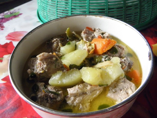 This is native chicken cooked in coconut cream and vegetables, with chili. My favourite.