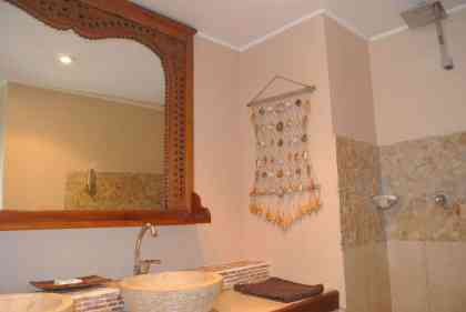 Fatumaru seaview apartment - bathroom