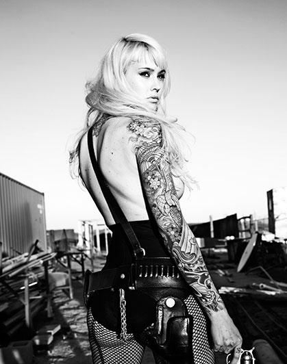 Sad Quotes Wallpaper Iphone 5 Black And White Girl Gun Tatoo Tattoo Women Image