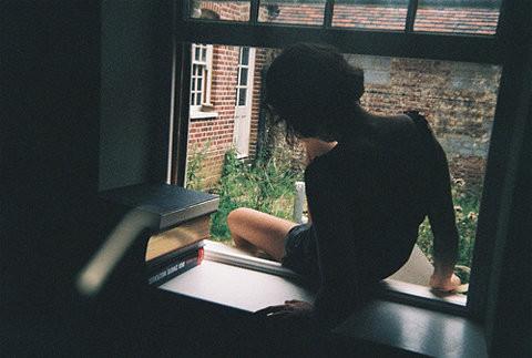 Depression Quotes Iphone Wallpaper Escape Freedom Girl Model Window Window Silhouette