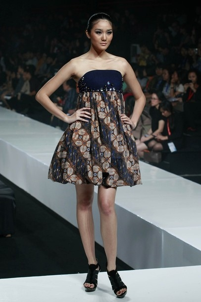 X Wallpaper Girl Batik Fashion Indonesia Jakarta Jakarta Fashion Week