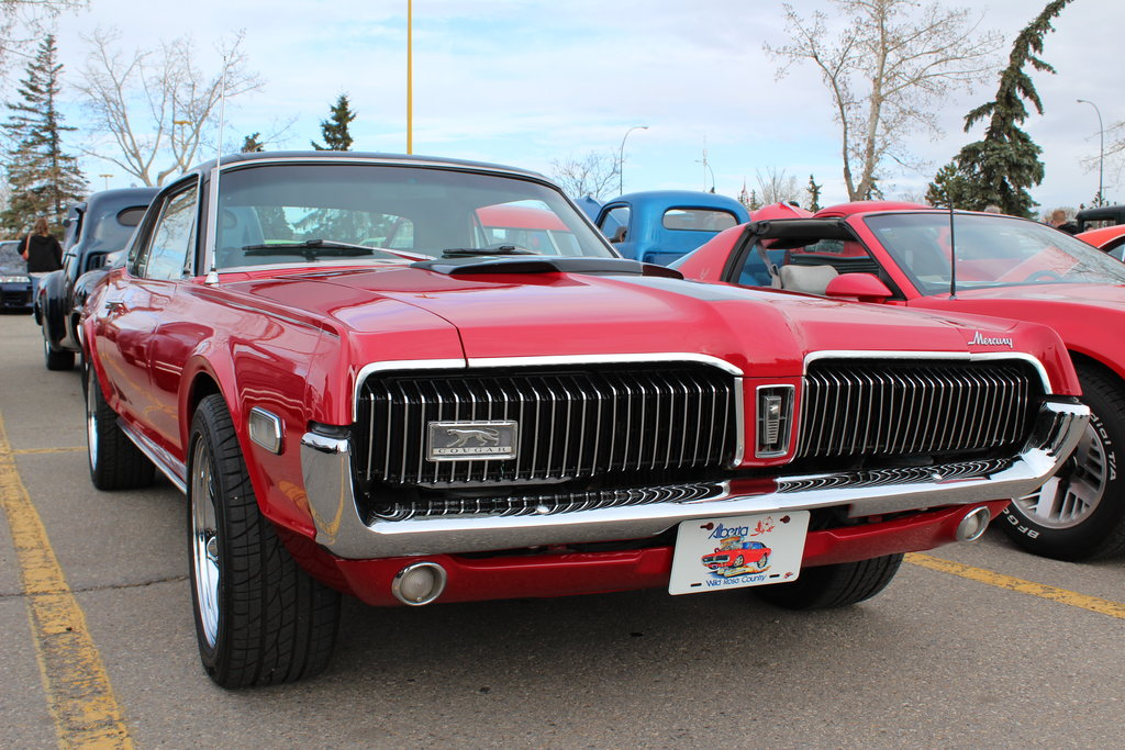 Beautiful And Stylish Girl Wallpapers 1968 Mercury Cougar Red Car Nice Wallpapers Fav