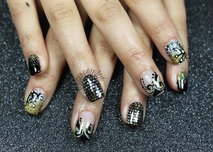 Sequins Black Gold Winter Party Nails Favnails