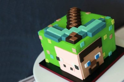 Bolo Minecraft via Bloom Cake Co.