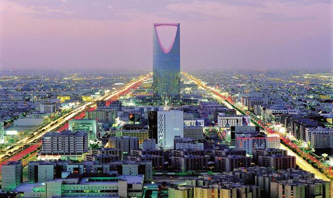 فرنسا والسعودية تبحثان 20 مشروعا بعشرات مليارات اليورو