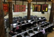 مصدران: مصر تؤجل ضريبة الأرباح الرأسمالية في البورصة لمدة عامين