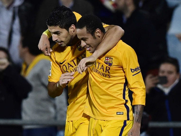 Luis Suarez Neymar celebrating goal against Getafe