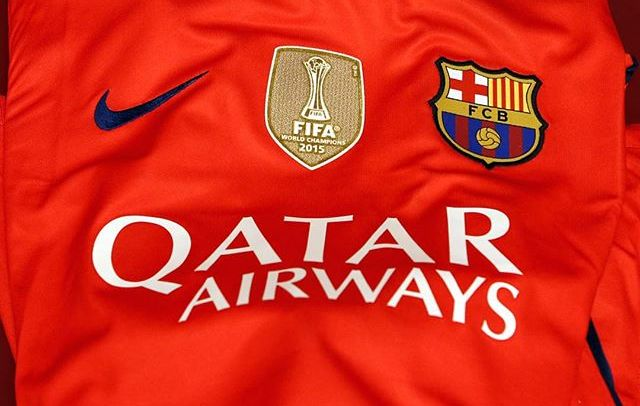"Barcelona wear ""World Champions"" badge again"