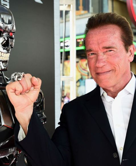 Arnold Schwarzenegger taunts a T-1000 with the skull of one of its babies.