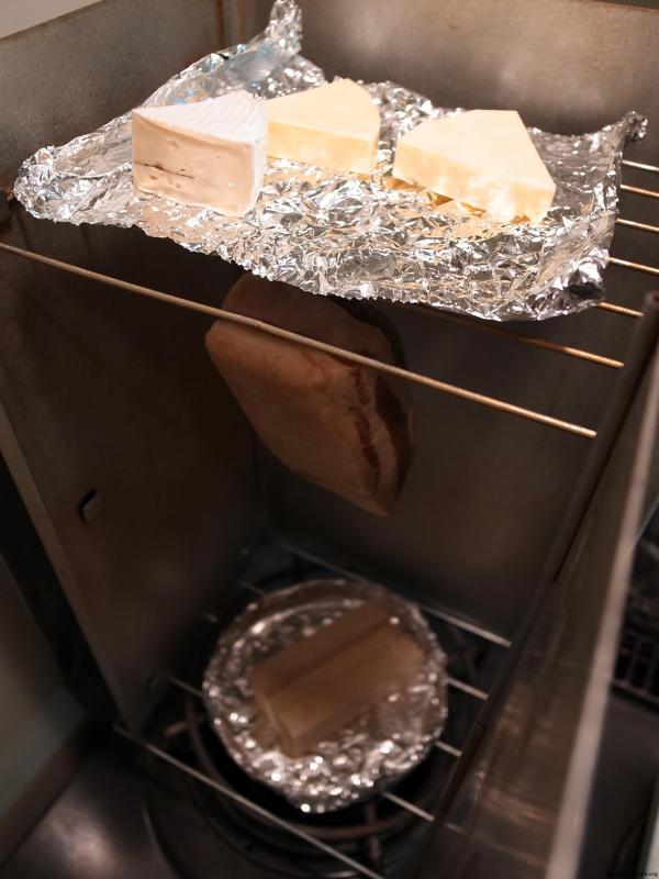 燻製チーズも一緒に