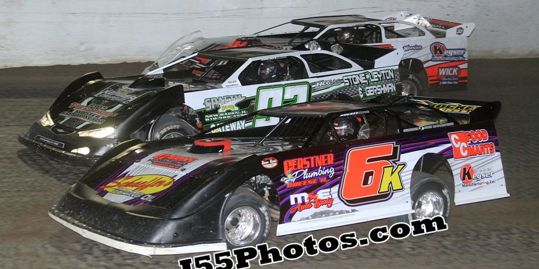 Michael Kloos, Scott Weber & Tim Manville battle during the April 11th, 2015 feature event!